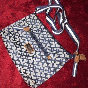 Tommy Hilfiger long side bag adjustable